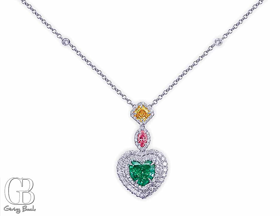 ct Green Diamond Heart Shape Pendant