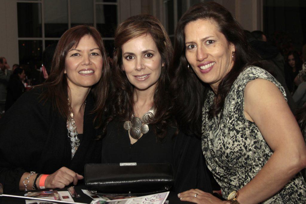 Aida Lopez, Leticia Derr y ClaudiaHalley