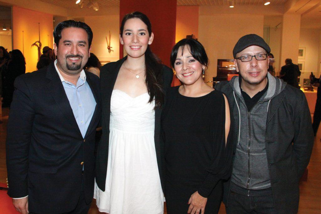 Alan Bautista, Andrea Acevedo, Adriana Medrano y Javier Guera.JPG
