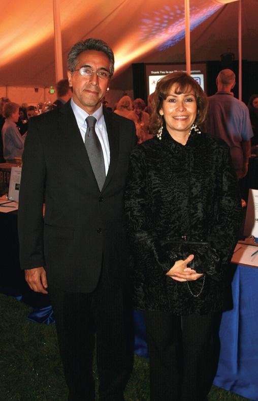 Alberto Diaz Gonzalez and Consul Remedios Gomez Arnau.JPG