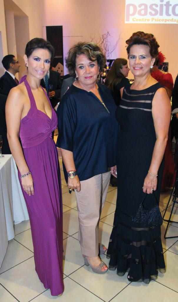 Alejandra Gajiola, Estela Enriquez y Priscilla Alonso.JPG