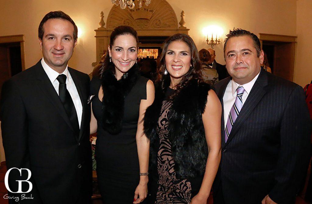 Alfredo y Mireille Postlethwaite con Ana Laura y Hector Gallego