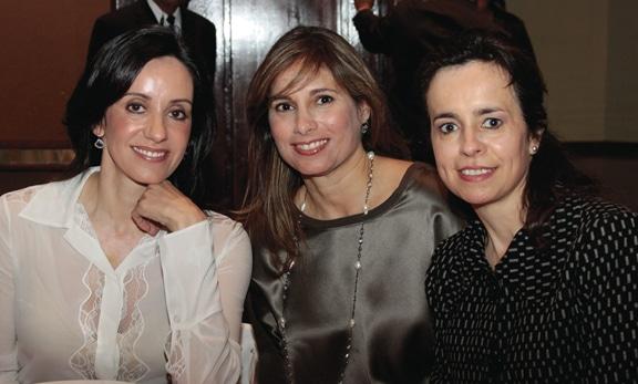 Alicia Luken, Adriana Zamudio y Marcela Herrera.JPG