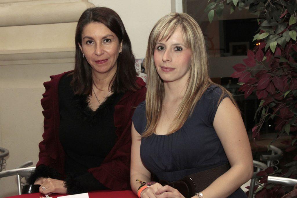 Amelia Iglesias y Lizabeth Lililes