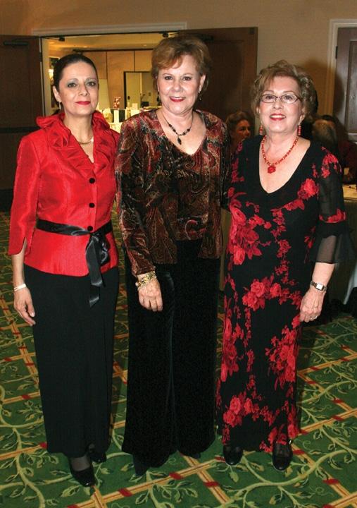 Ana Castanos, Miriam Vildosola y Norma Leonard.JPG