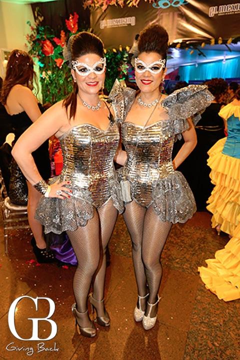 Ana Isabel Hermosillo y Luisa Cruz
