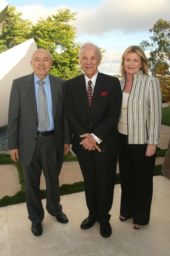 Andrew Viterbi, Conrad Prebys and Debbie Turner.JPG