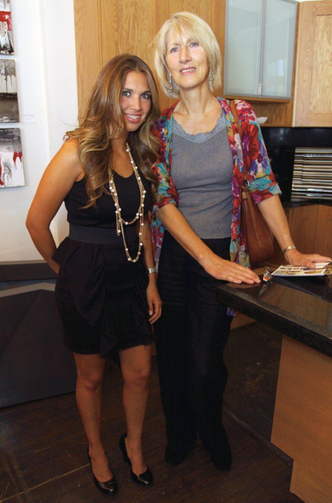 Annahi Barce and Christiane.JPG