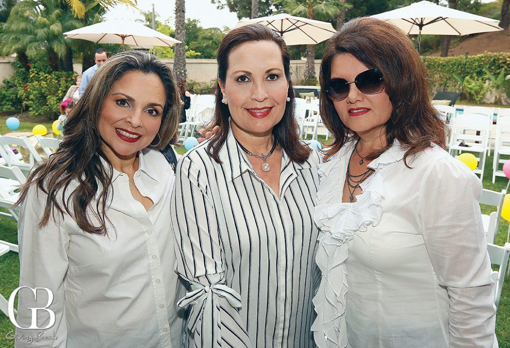 Anny Acosta  Lorena Bustamante y Ofelia Magallon