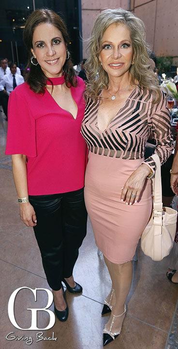 Araceli Lozano y Roxana Lyle