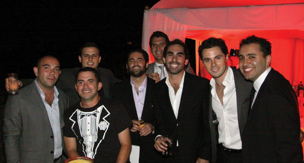 Arian y sus amigos.JPG