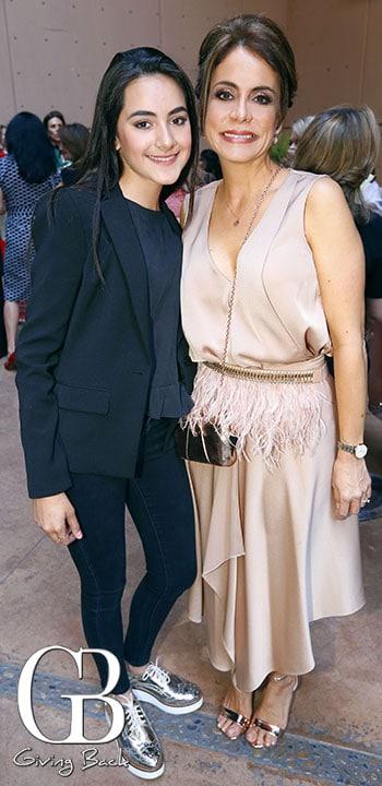 Ariana Laborin y Mari Carmen Castellanos