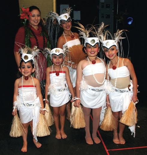 Bailarinas polinesias.JPG