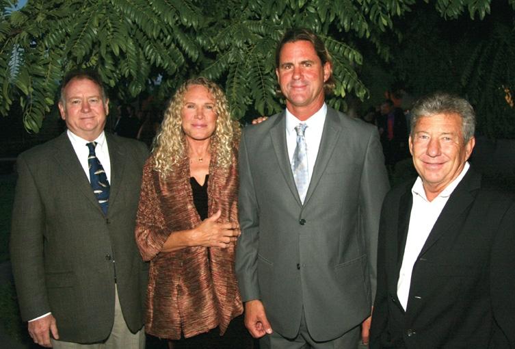 Beto Bedolfe, Christy Walton, Serge Dedina y George Ravenscroft.JPG
