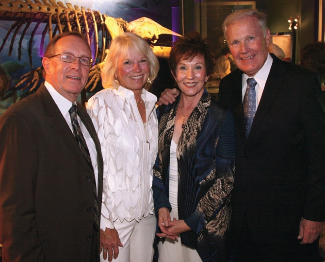 Bob and Debi Kelly with Dede and Ron Carlson.JPG