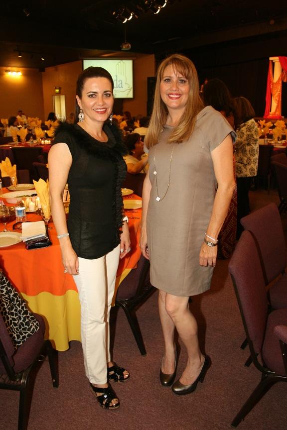 Brenda Petrissans y Dina Tank.JPG