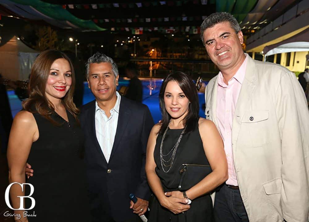 Cari Toledo y Ricardo Mendivil con Gilda y  Salvador Castellanos