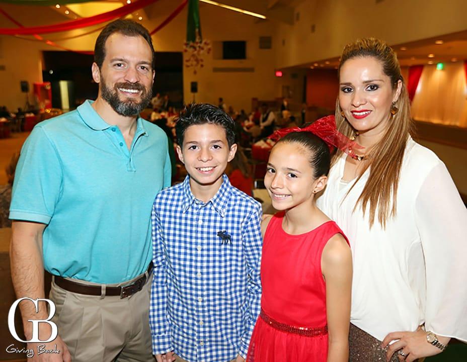 Carlos  Carlos Melissa y Miriam Hernandez