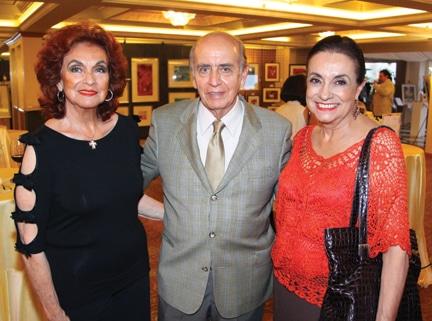 Carmen Barone con Hector y Cecilia Castellanos.JPG