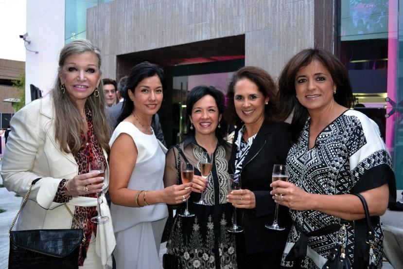 Carmen Fimbres, Verónica Moreno, Leticia Pazzi, Beatriz Hinojosa y Verónica Castellanos.JPG
