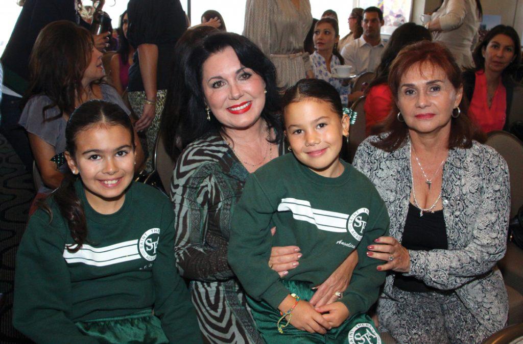 Carolina Aubanel y Alejandra Berlanga con Luisa Fernanda y Angelica Garcia.JPG
