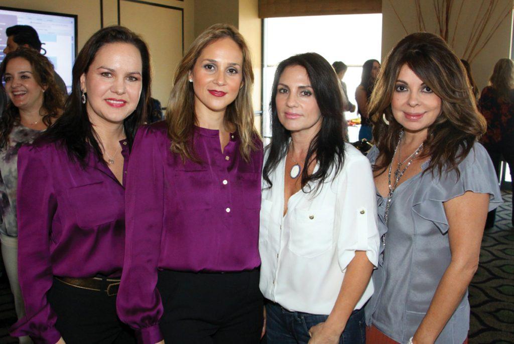 Carolina Bustamante, Veronica Bustamante, Alexandra Gallardo y Griselda Mawhinney +.JPG
