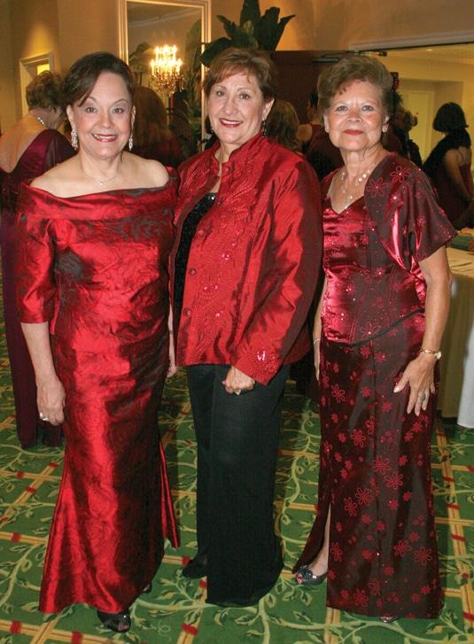 Carolina Teran Mauritzen, Olivia Salazar y Maria Alicia Robinson.JPG