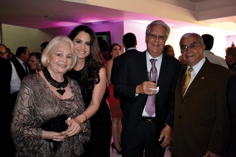 Catalina Macias de Quiroz, Lisette Macias, Walter Macias y Dr. Alejandro Quiroz.JPG