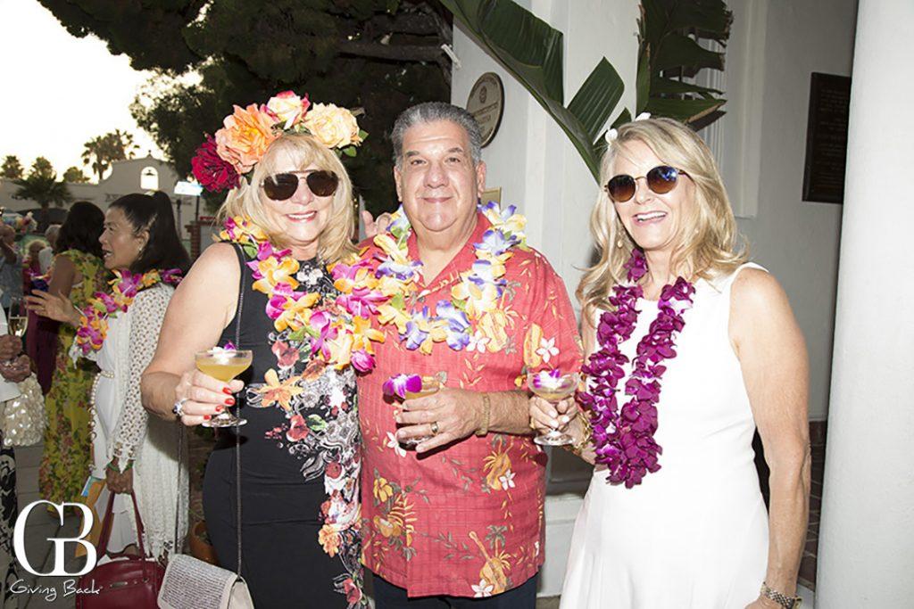 Charlotte and Eric Goldberg with Linda Bertozzi