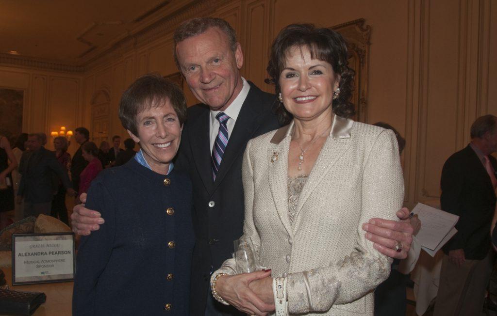 Cindy and Tom Goodman with Arlene Esgate