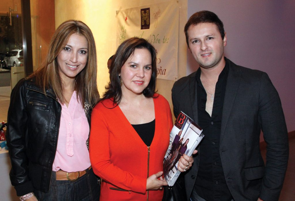 Claudia Munoz, Carolina Bustamante y Shahin Zamudio.JPG
