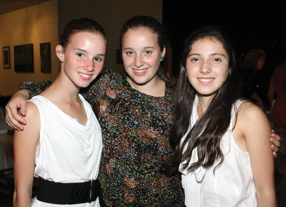 Coba Escalante, Sarah Honold y Ana Claudia Bremer.JPG