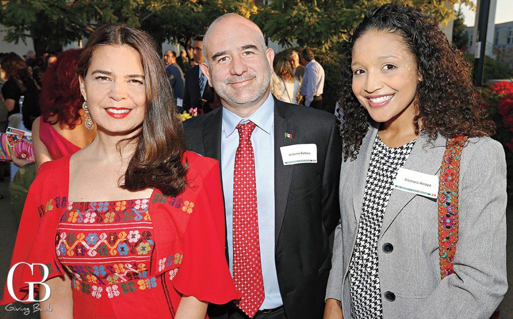 Consul Marcela Celorio  Antonio Barbosa and Xiomara Arroyo