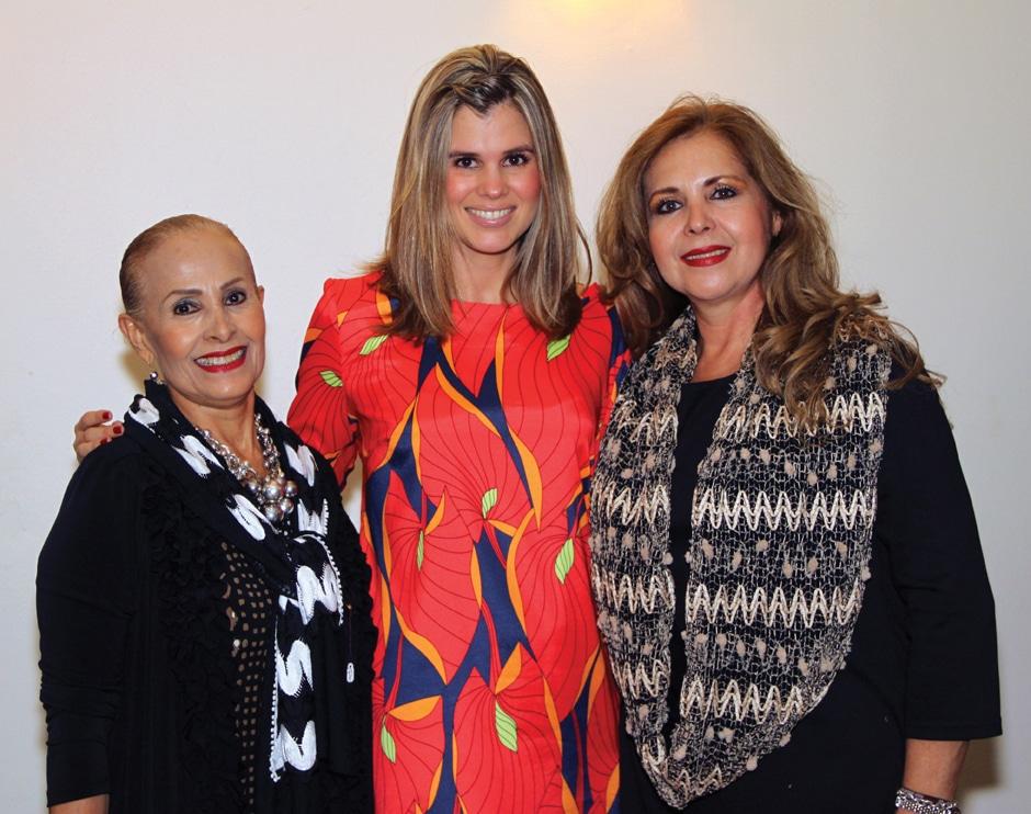 Crimilda Zamora, Miriam Escobedo y Miriam Gonzalez.JPG