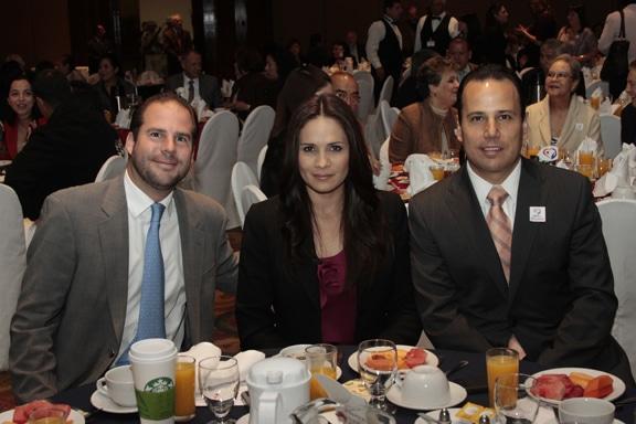 Daniel Cano, Elba Estudillo y Jorge Diaz.JPG