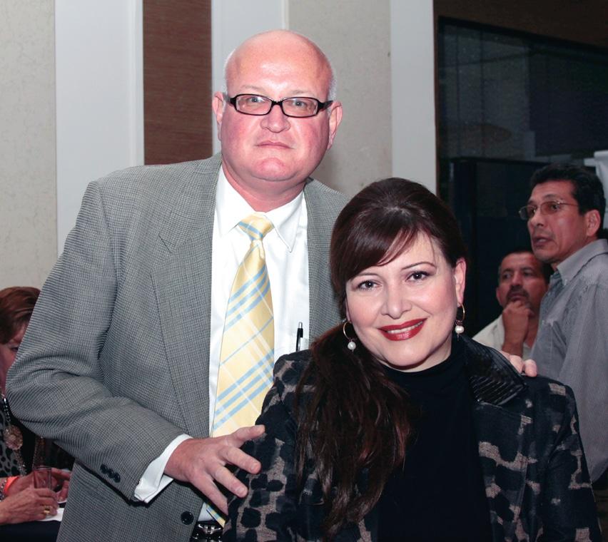 Daniel y Mawi Esparragoza