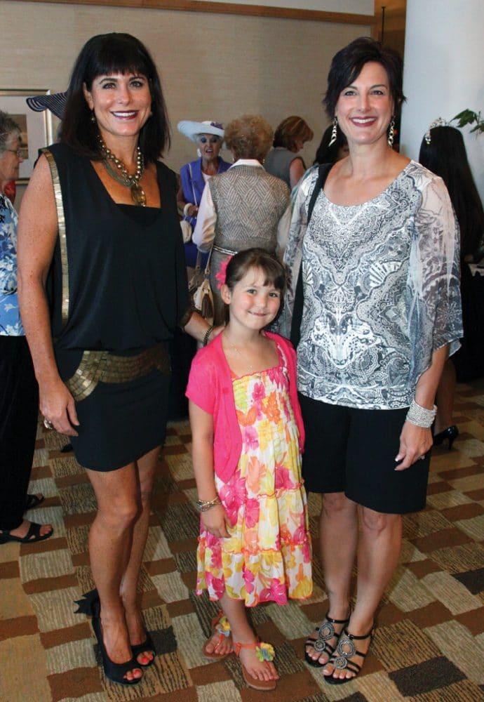 Deanne Ross, Jessica and Theresa Favro.JPG
