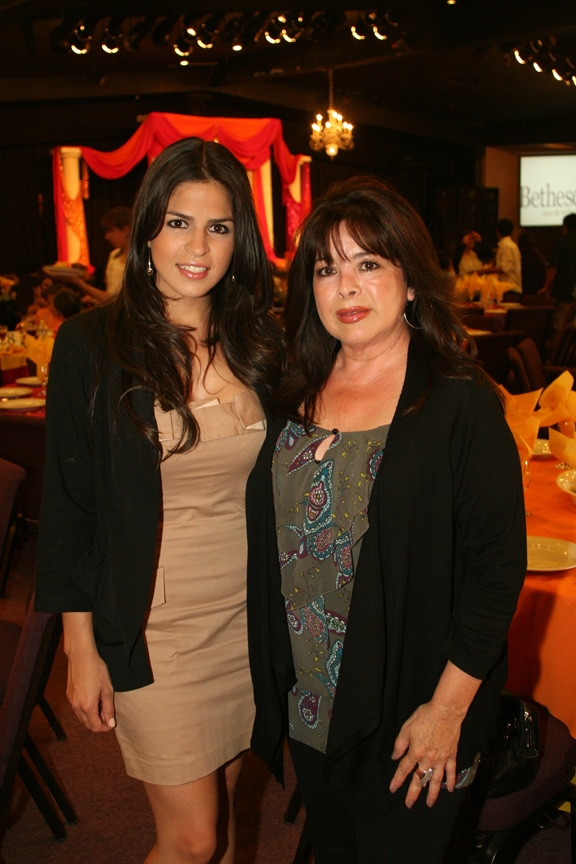 Denise Sanchez y Gloria Heard.JPG
