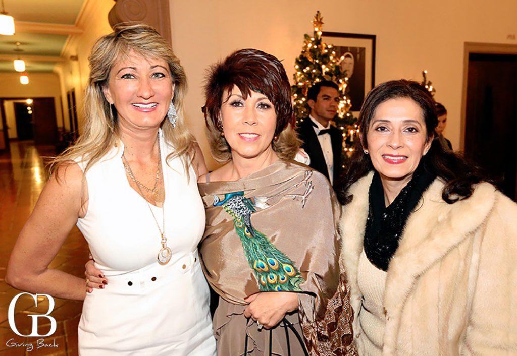 Dennise Velasco  Irasema Beltran y Laura Echeveria