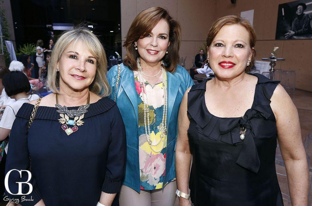 Diana Kuri  Norma Carrillo y Aida Fregoso