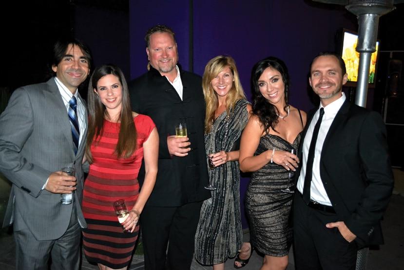 Dr. Ariel Perez y Esposa, Holly Berkley y Esposo, Dr Carlos Castañeda y Esposa.JPG