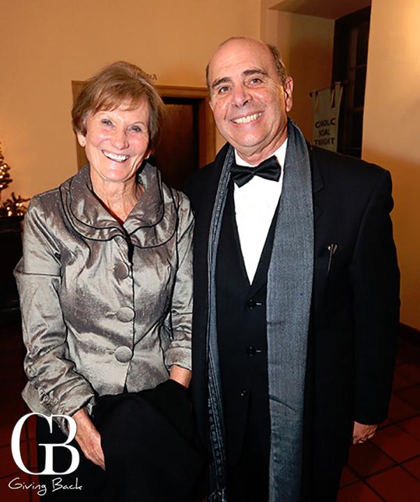 Elizabeth Jones y Luis Echeveria