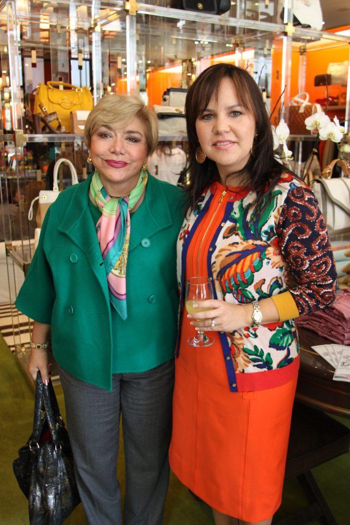 Elsa Arnaiz y Carolina Bustamante.JPG