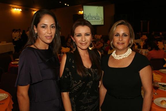 Eneth Robles, Ely Corona, Carla Kyriakides.JPG