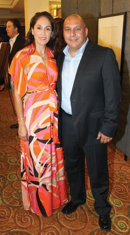 Eneth y Gilberto Robles.JPG