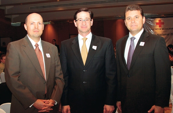 Erick Jauregui, Luis Carlso Aztiazaran y David Bussani.JPG