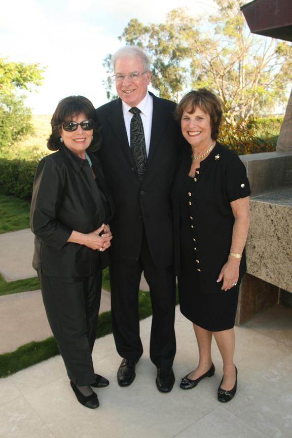 Erna Vitterbi with Jeff and Sheila Lipinsky.JPG