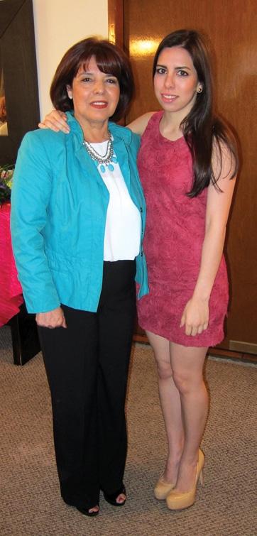 Estela Sainz con su hija.JPG