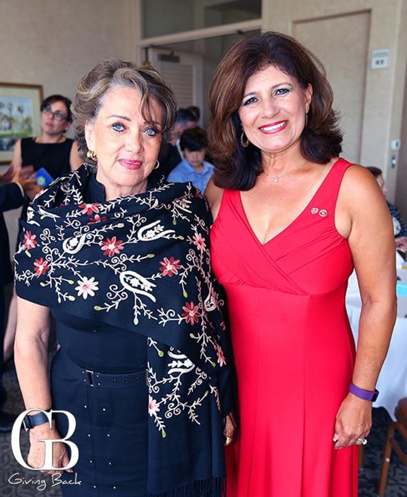 Estela Enriquez y Maribel Dillon