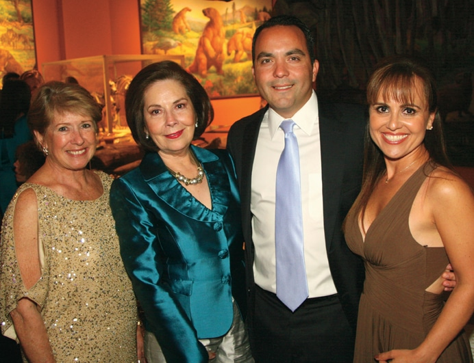 Esther Rodriguez and Yolanda Ingle with Jorge and Rosa Walther Meade.JPG